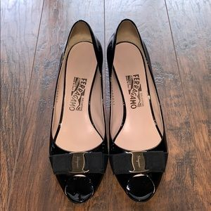 Authentic Salvatore Ferragamo Vara Bow Heels